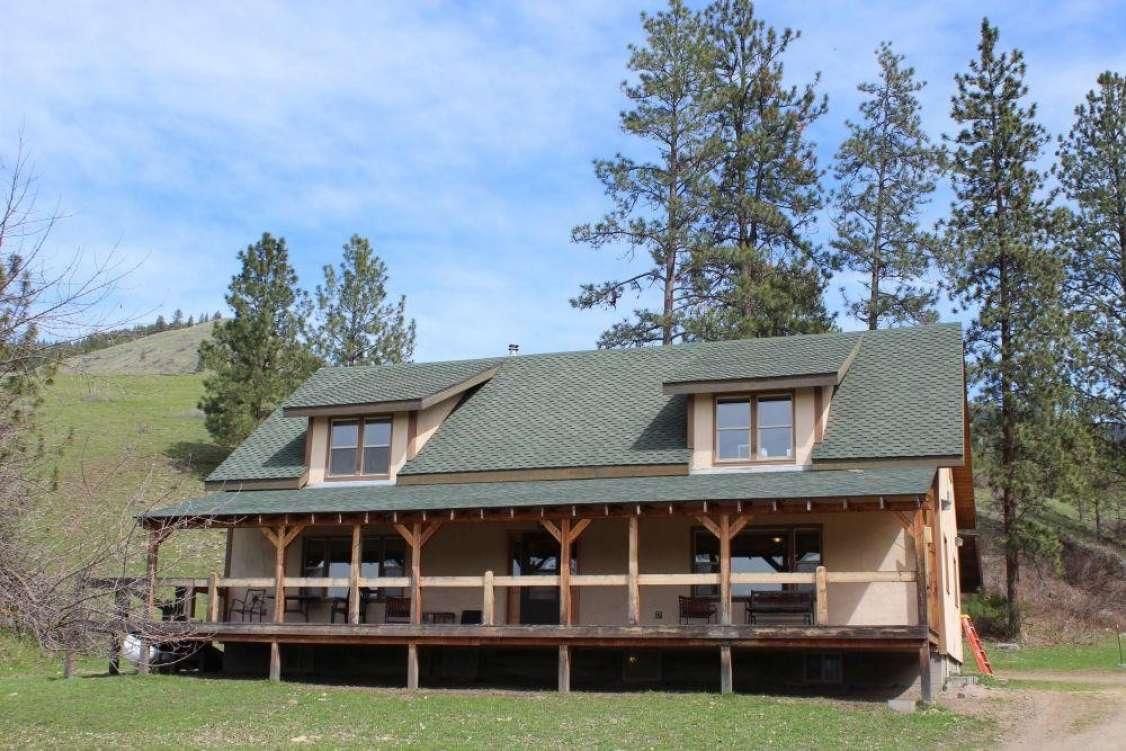 Montana Farmhouse on 160 Acres