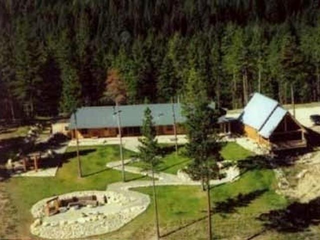 Tin Cup Lodge Property Photograph
