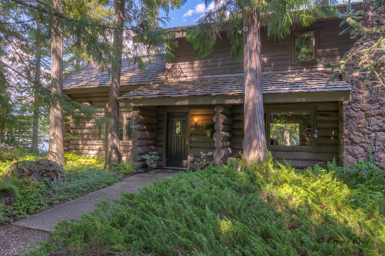 In The Cedars Property Photograph