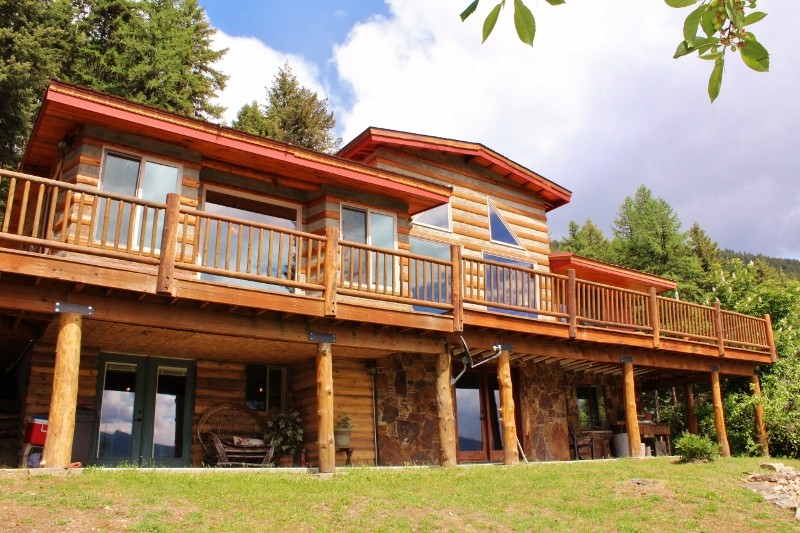 Eagles Nest View Log Home Western Montana Property Photograph