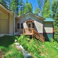 House on acreage with lake access Property Photograph