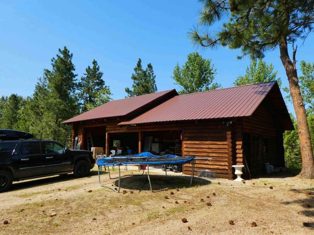 Montana Log Home w/1/2 Mile of Riverfrontage!