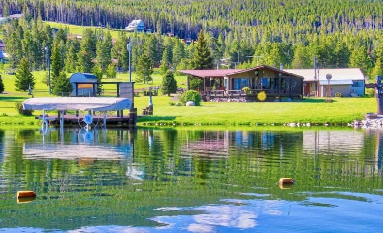 Plug & Play Lakefront