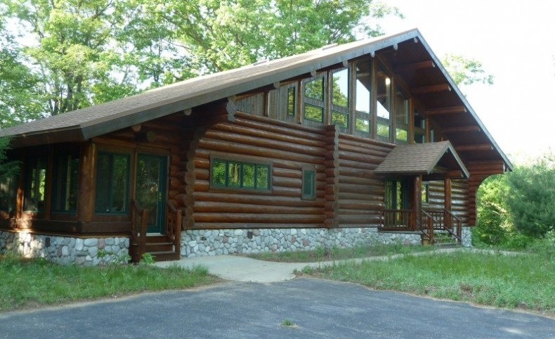 Executive Log Home For Sale in the Preserve at Lawrence Lake in Westfield, Wisconsin
