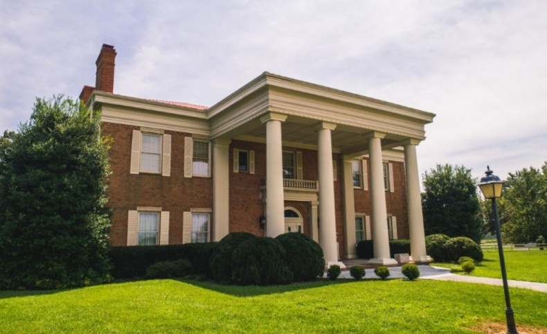 Luxurious Antebellum-Style Mansion with Equine Facilities For Sale in Russelville, TN