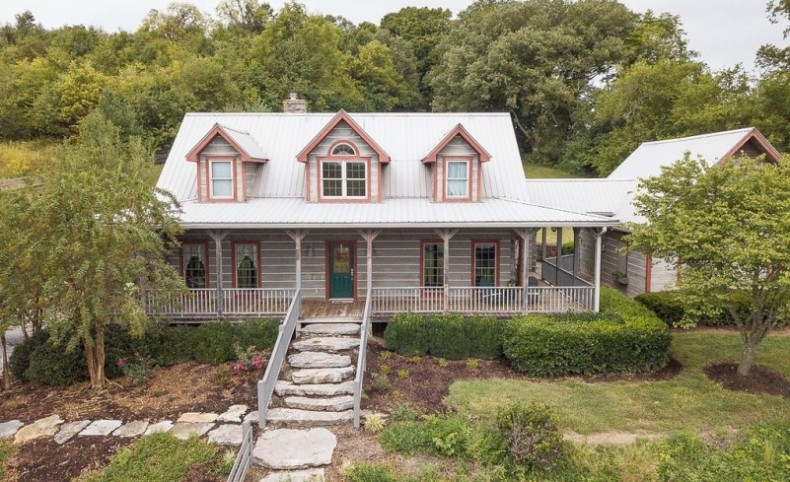 Luxury Equine Estate For Sale in Thompson's Station, TN