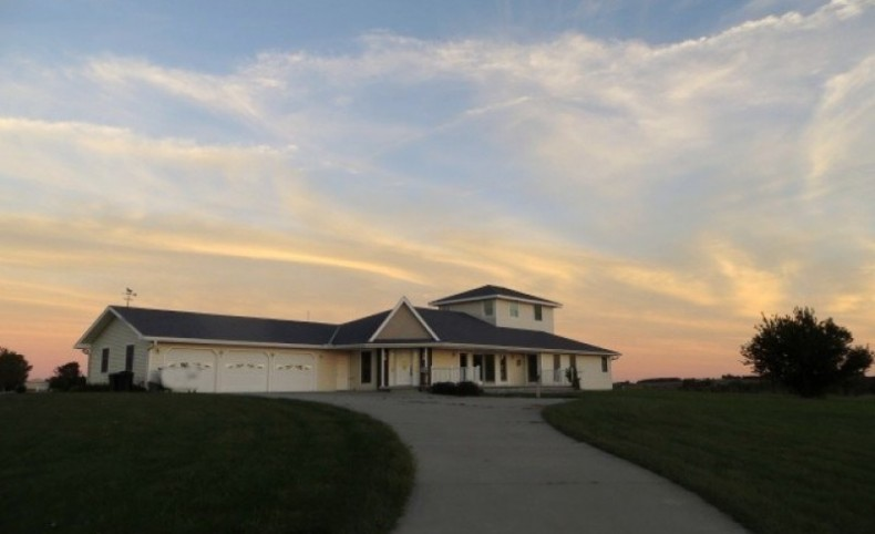 Executive Country Estate For Sale in Missouri Valley, IA