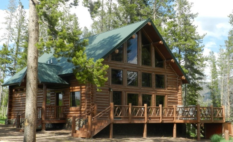 Pintler Vista Log Home