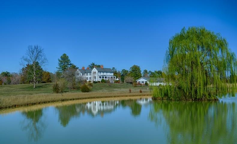 White Horse Farm and Vineyard