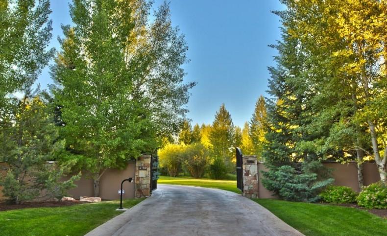 Park Meadows Gated 7 Acre Estate
