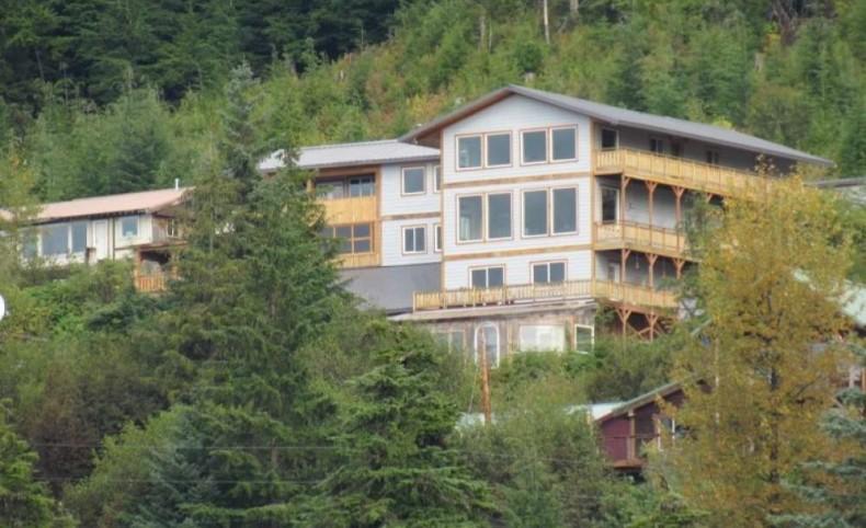Hoonah Ocean-view Home