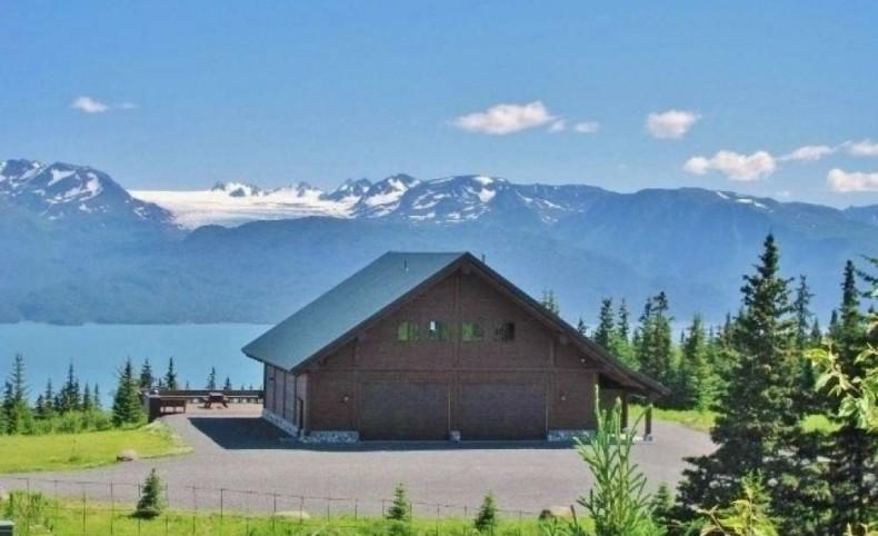 Grand View Log Home