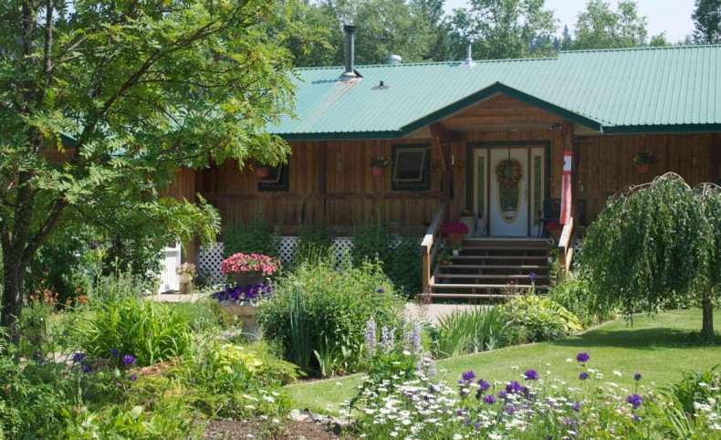 Ritson Acres Largest private waterfront Quesnel Lk