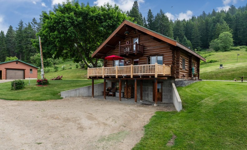 Fabulous 59 ac with Log home