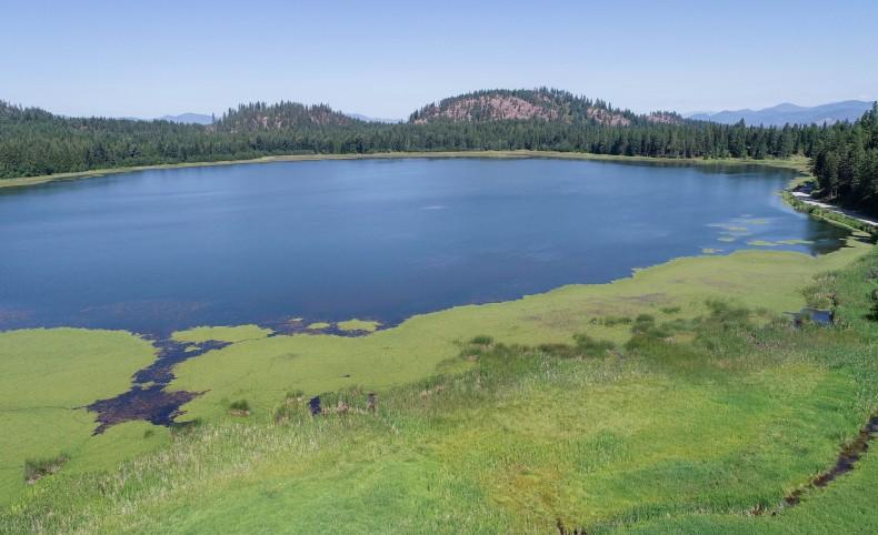 Private lake & 411 acres