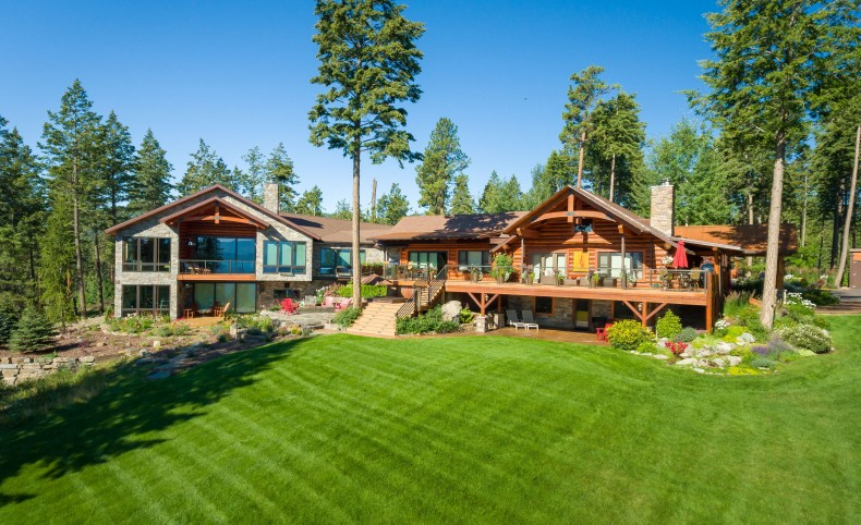 Contemporary Luxury Lodge