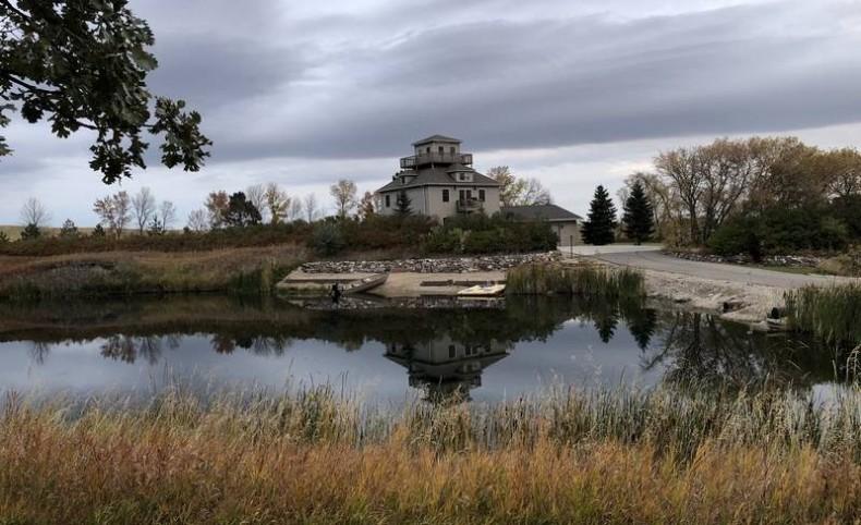 Dream Home & Shop - Private Lake & 40 acres