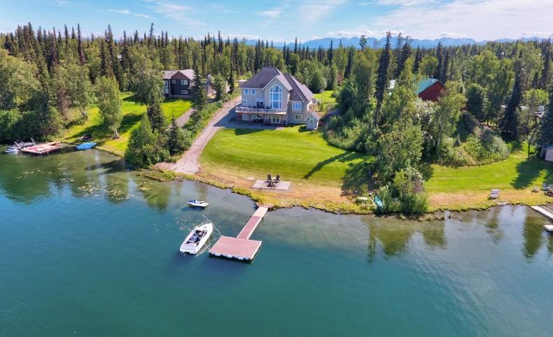 Longmere Lake Waterfront Estate